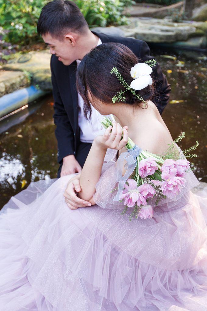 Prewedding of Nicholas and Cresentia by Esselia_Atelier - 005