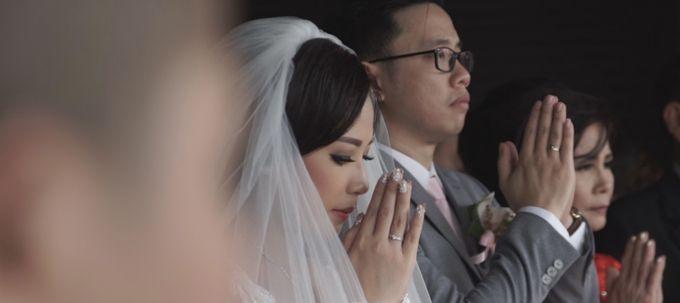 Grand Mercure Hotel - Iyan & Erry Wedding Day by Impressions Wedding Organizer - 006