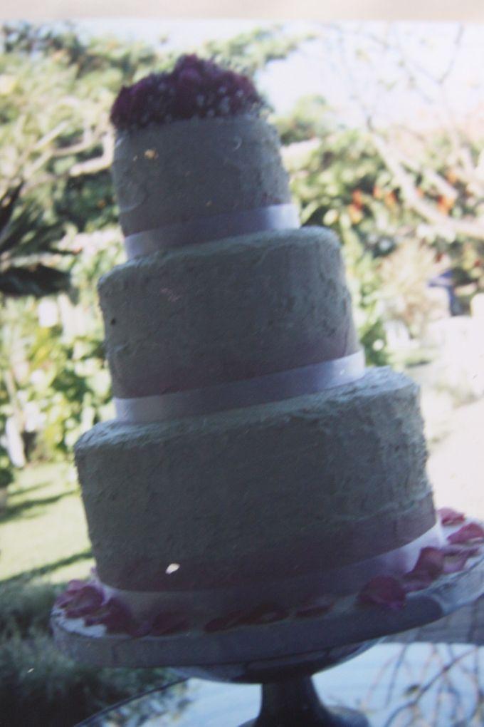 Yamuna Wedding Cake by Yamuna Homemade Pastry & Dietary - 002