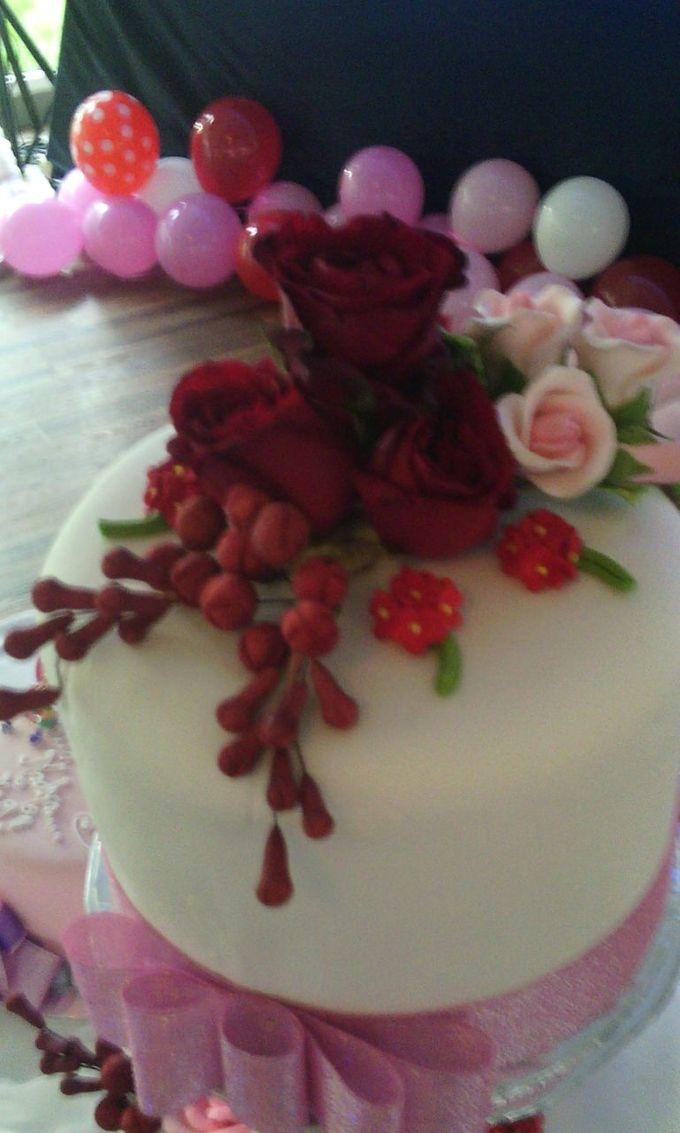 Yamuna Wedding Cake by Yamuna Homemade Pastry & Dietary - 004