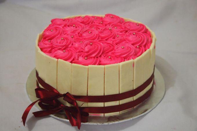 Yamuna Wedding Cake by Yamuna Homemade Pastry & Dietary - 005