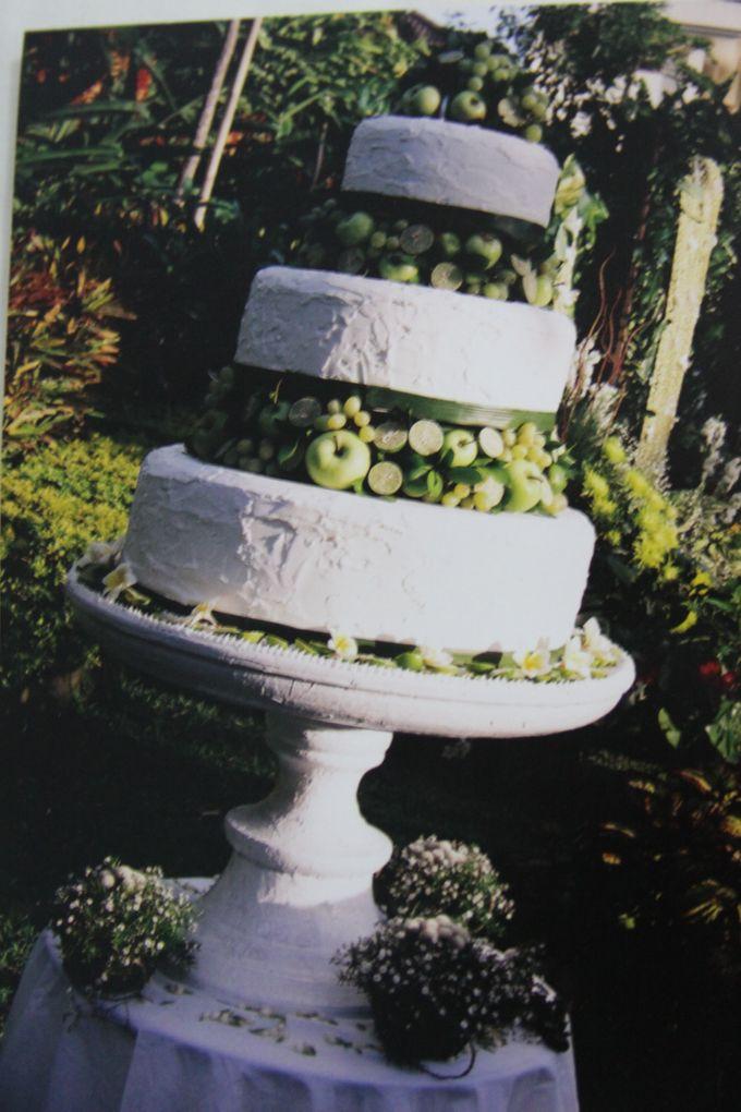Yamuna Wedding Cake by Yamuna Homemade Pastry & Dietary - 007