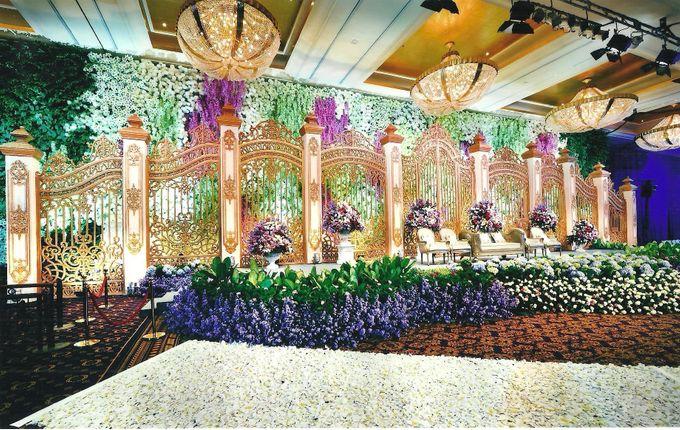 Wedding decoration hotel mulia by suryanto decoration bridestory add to board wedding decoration hotel mulia by suryanto decoration 002 junglespirit Gallery