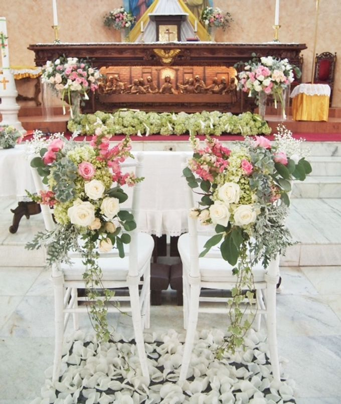 church decoration by Sweetbella Florist & Decoration - 001