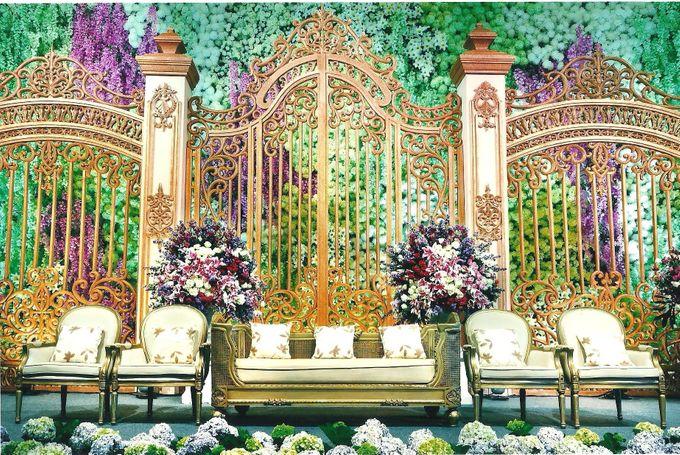 Wedding decoration hotel mulia by suryanto decoration bridestory add to board wedding decoration hotel mulia by suryanto decoration 001 junglespirit Gallery