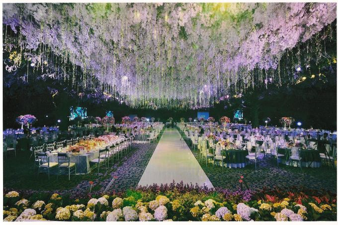 Wedding decoration surabaya grand city by suryanto decoration add to board wedding decoration surabaya grand city by suryanto decoration 001 junglespirit Gallery