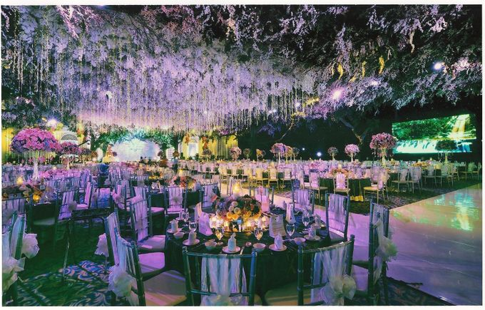 Wedding decoration surabaya grand city by suryanto decoration add to board wedding decoration surabaya grand city by suryanto decoration 003 junglespirit Gallery