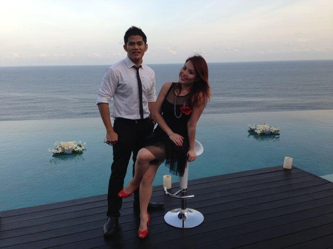 Uluwatu Cliff Wedding in Bali by ShiLi & Adi - 002
