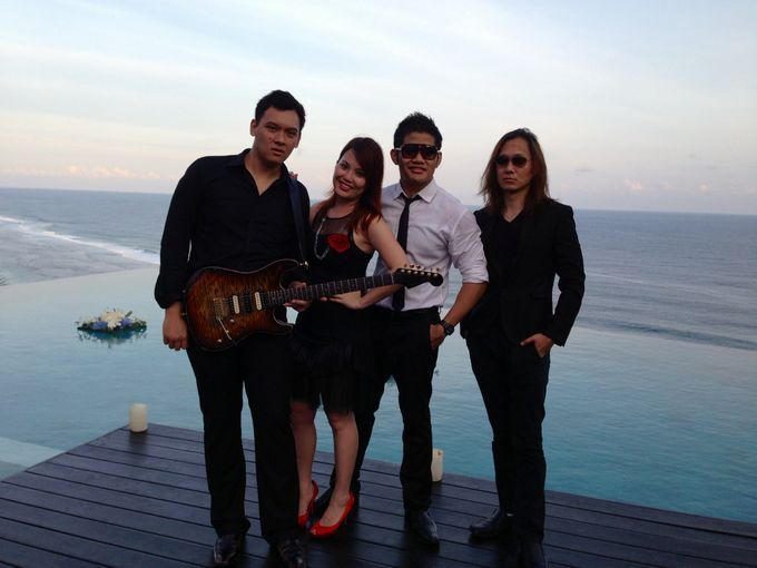 Uluwatu Cliff Wedding in Bali by ShiLi & Adi - 004