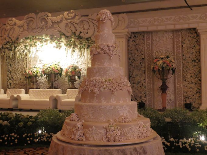 7 tiers Wedding Cake by LeNovelle Cake - 018