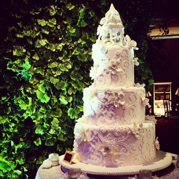 3 layers wedding cakes by LeNovelle Cake - 014