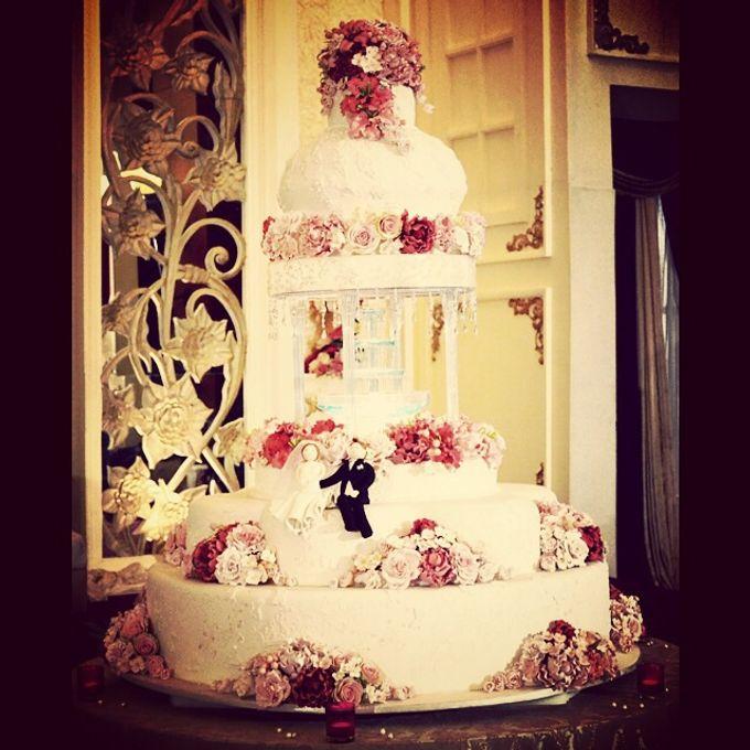 3 layers wedding cakes by LeNovelle Cake - 015