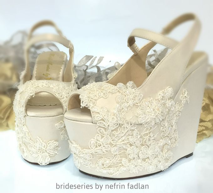 Wedges for gown by Priyo Oktaviano - 001