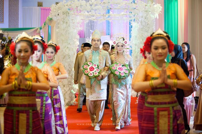 Tambahkan ke board wedding of dea oby by salon ratu samarinda 008