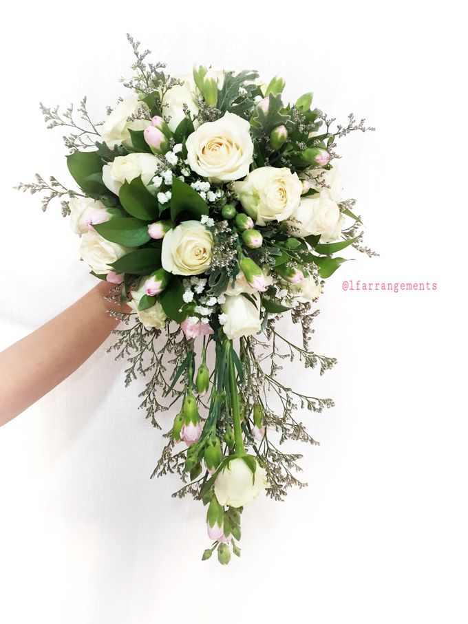 Wedding hand bouquet by Love Flower - 001