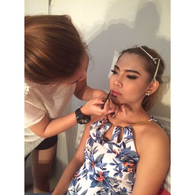 Professional makeup class by Maycy Makeupartis - 006