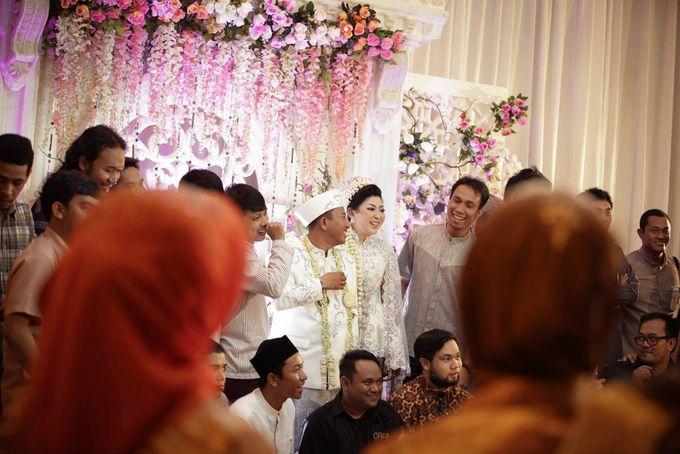 Tambahkan ke board wedding tya adhi by salon ratu samarinda 007