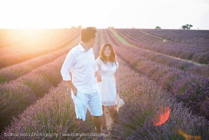 Engagement Session in Europe by Barnas Viola Photography - 010