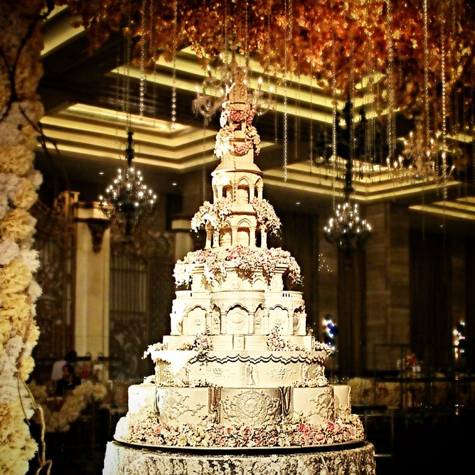 Masterpiece and Signature Wedding Cakes by LeNovelle Cake - 006