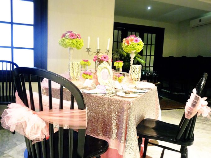 Feeling so pink by Valexis Table Design - 001
