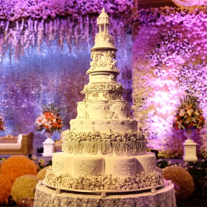 Masterpiece and Signature Wedding Cakes by LeNovelle Cake - 003