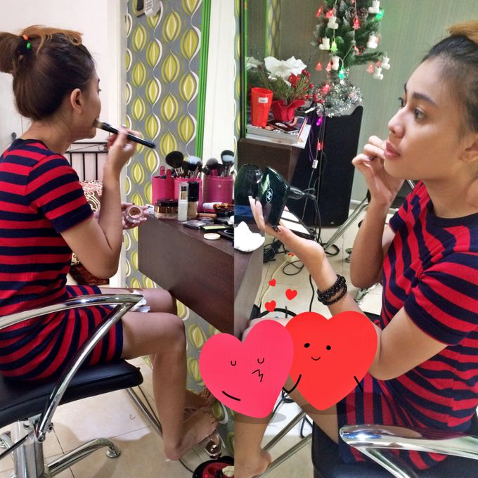 Professional makeup class by Maycy Makeupartis - 001