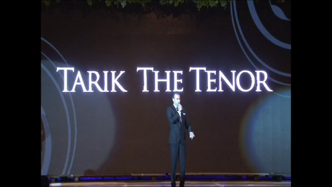 Performing at Imperial Ballroom Blissful Wedding Fashion Show by Tarik The Tenor ( The Luxury Entertainment ) - 002