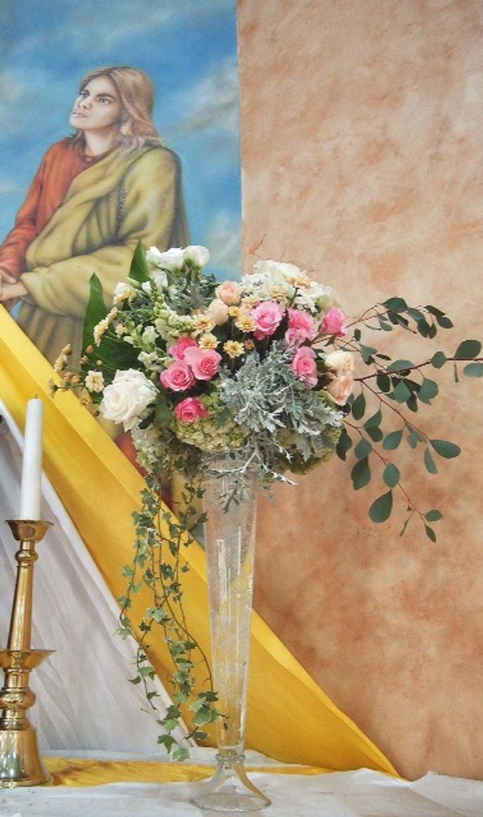 church decoration by Sweetbella Florist & Decoration - 004