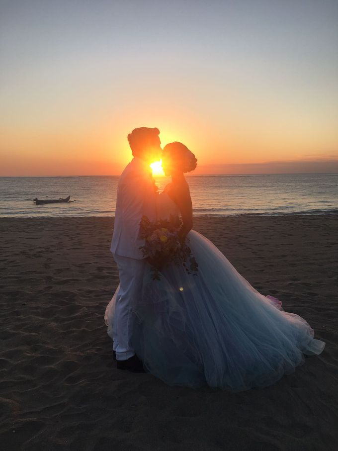 Sunset Wedding by Charlotte Sunny - 001