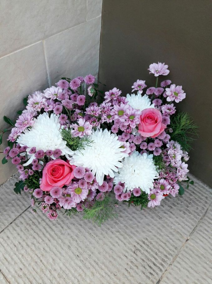 Deasy Florist - Custom Made Flower & Floral Arrangement by Deasy Florist - 010