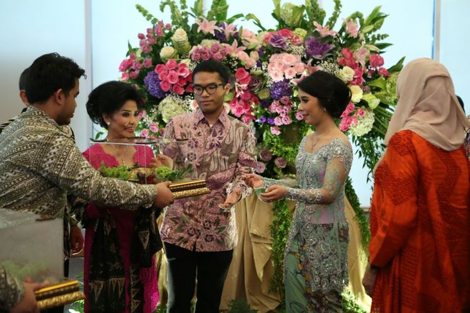 Engagement Of Sasa & Irfan by Wong Akbar Photography - 007