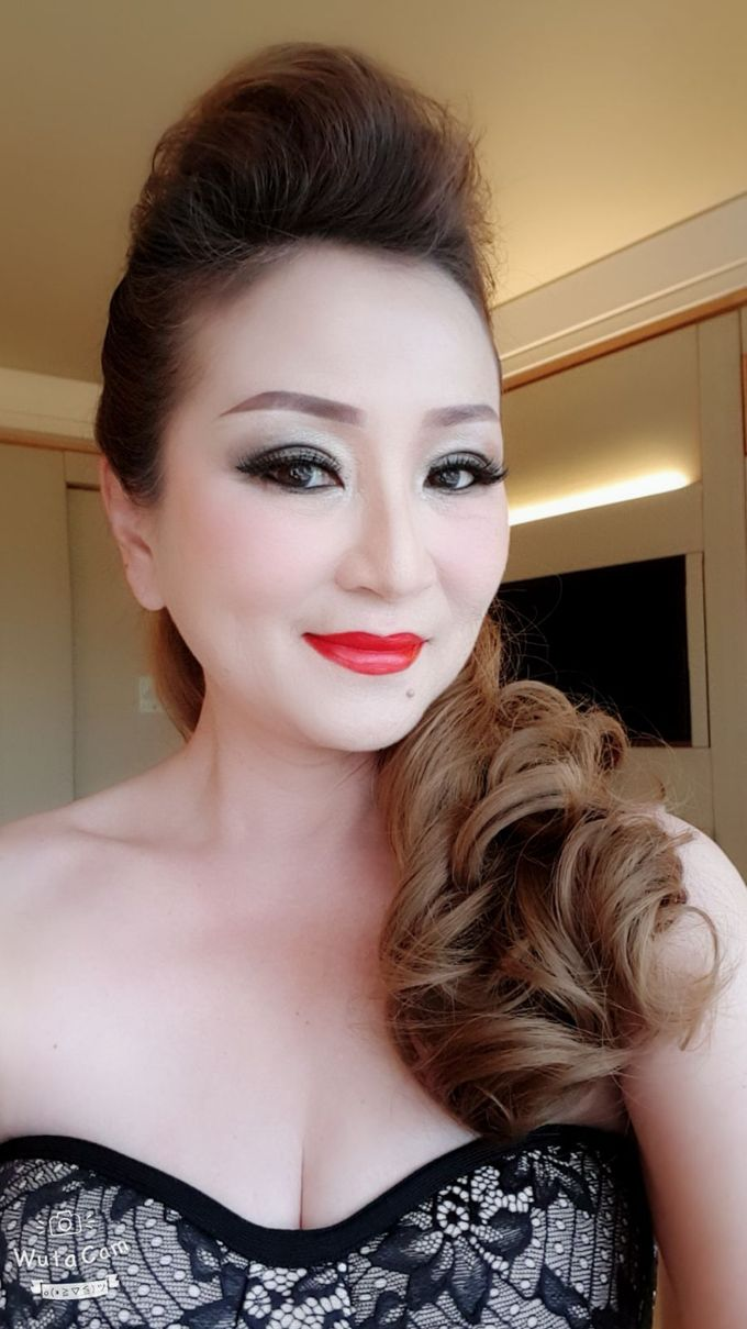 Smokey Eyes And Red Lipstick by Favor Make Up by Dian Mayasari - 005
