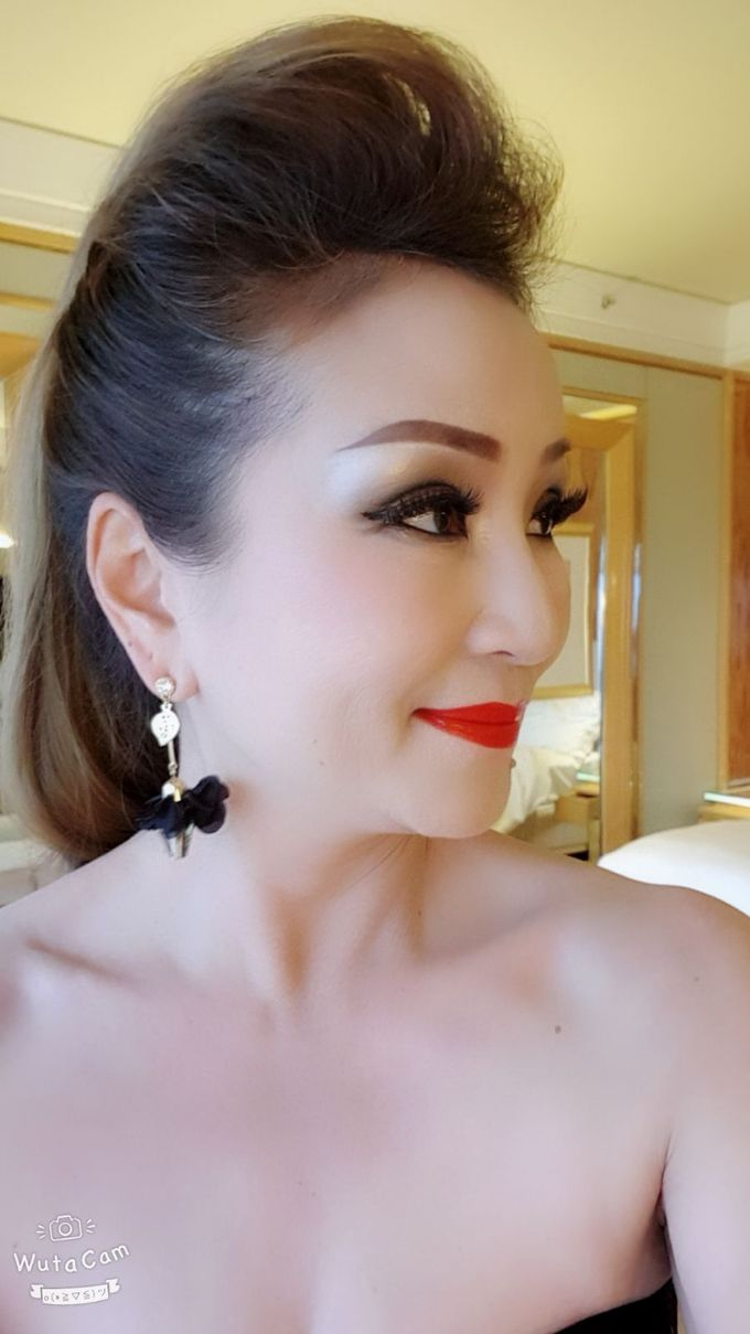 Smokey Eyes And Red Lipstick by Favor Make Up by Dian Mayasari - 003