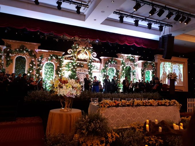 Rico airin wedding by wedding maximal bridestory add to board rico airin wedding by jw marriott hotel medan 003 junglespirit Images
