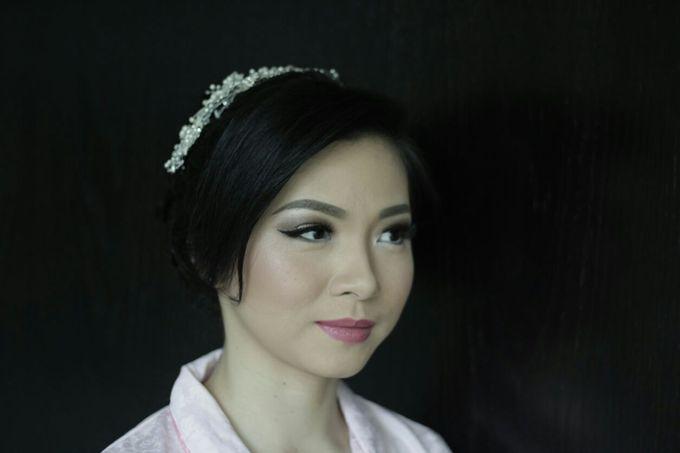 Makeup & Hairdo For Sister Of The Bride By Oscar D by Oscar Daniel - 002