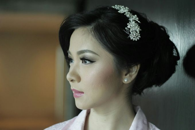 Makeup & Hairdo For Sister Of The Bride By Oscar D by Oscar Daniel - 005