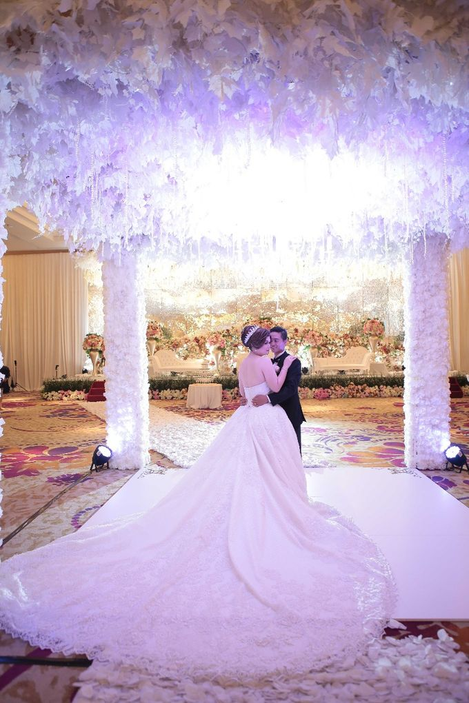 Wedding Day Andes & Devina by House of Luxury - 009