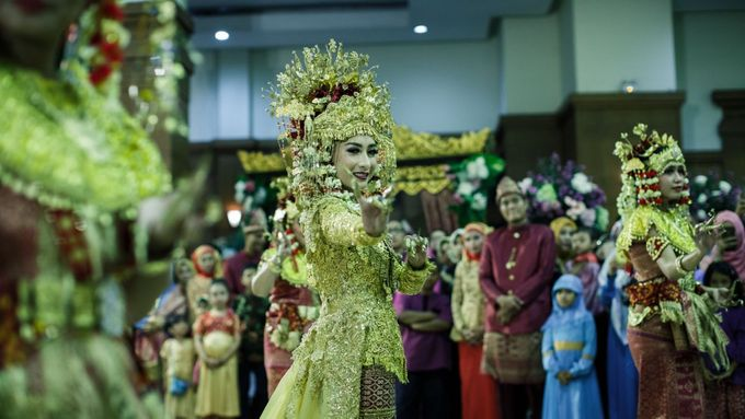 Wedding Inay + Izul by Wong Akbar Photography - 013