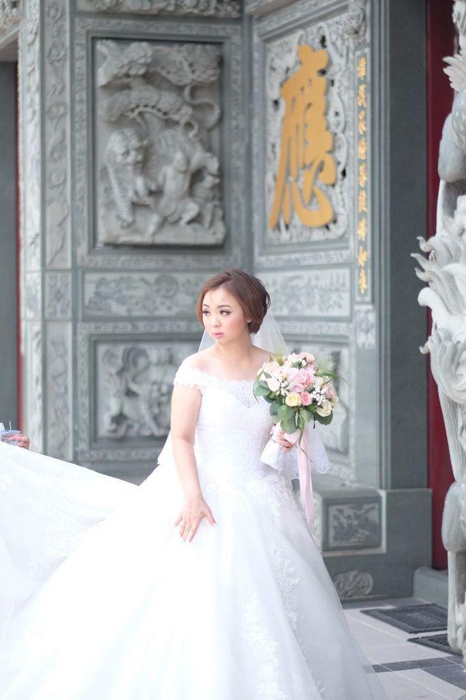 Lidya's Wedding Makeup by Oscar Daniel - 001