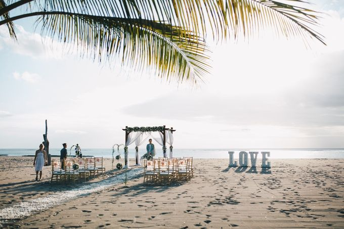 Beach Wedding by Flo Wedding Organizer - 001
