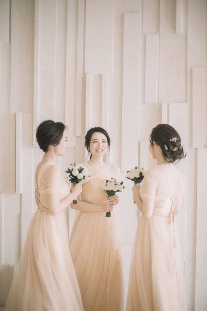 Graceful Wedding Of Hantono & Winda by All Occasions Wedding Planner - 014