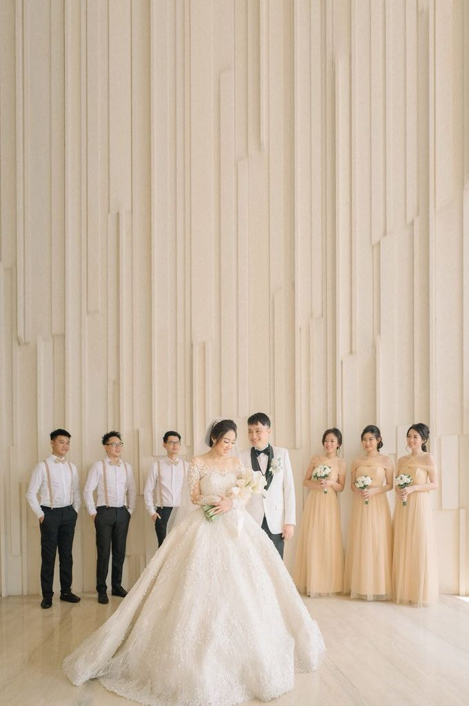 Graceful Wedding Of Hantono & Winda by All Occasions Wedding Planner - 006
