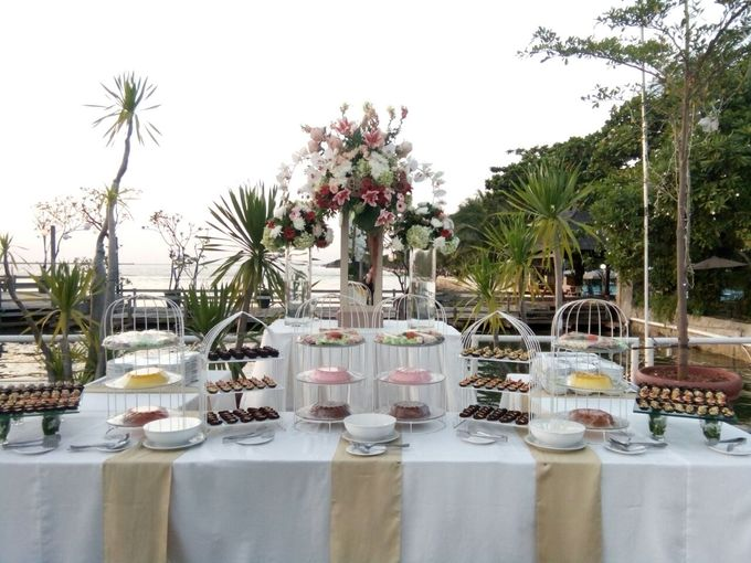 Outdoor Wedding At The Banquet by Bali Indah Catering - 003