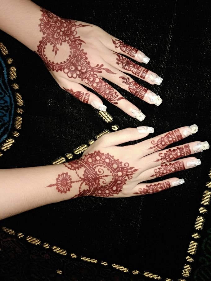 Red Henna by Ikkie henna art - 029