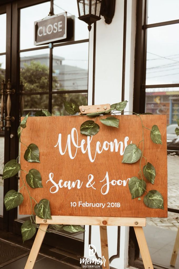 Sean and Joon on Rustic Wedding by Memoir Decor - 009