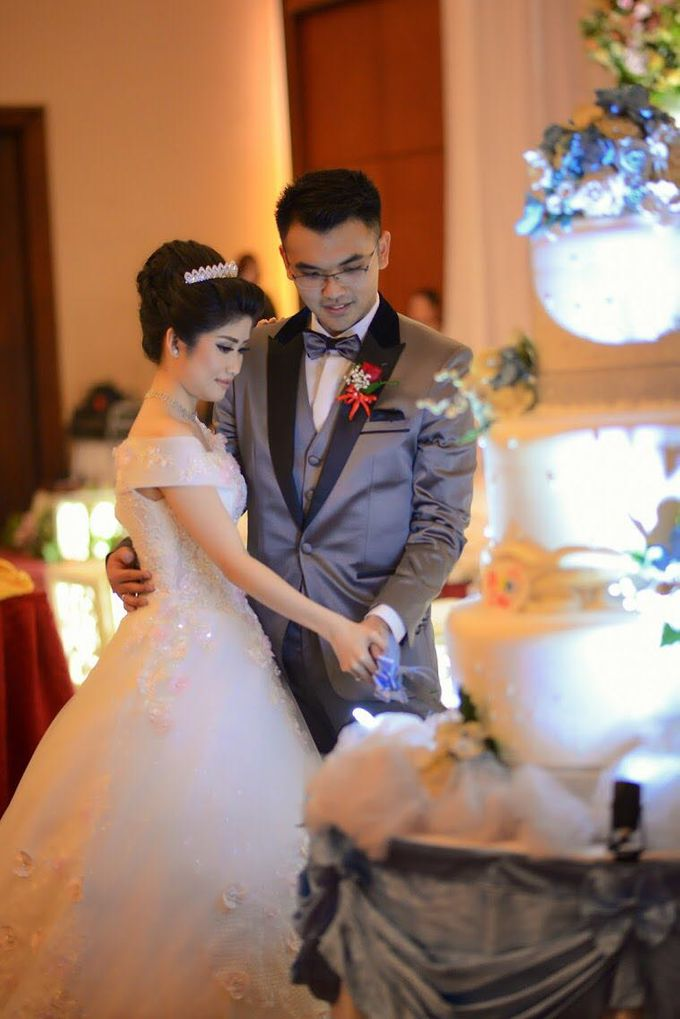 Elsa & Edbert Wedding Day by Dacore Production - 003