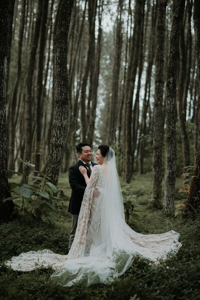 Eliza & Steven Wedding At PineHill Cibodas by Pine Hill Cibodas - 007