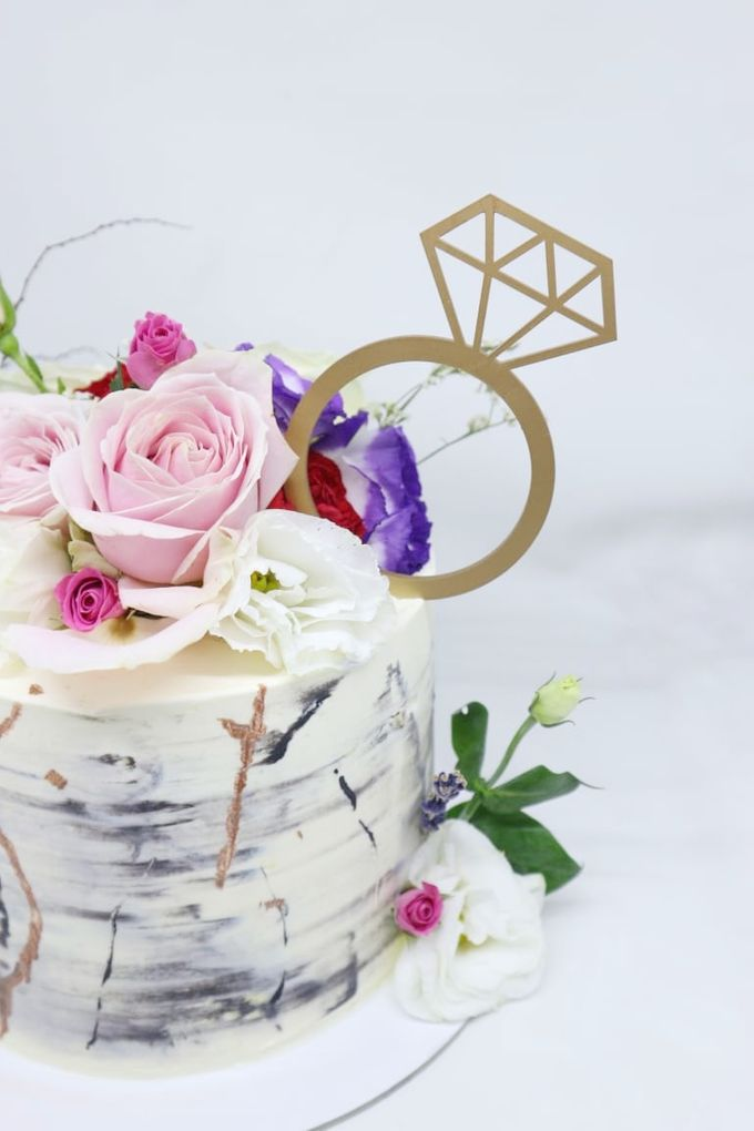 Engagement Cake by Ame Cakery - 001