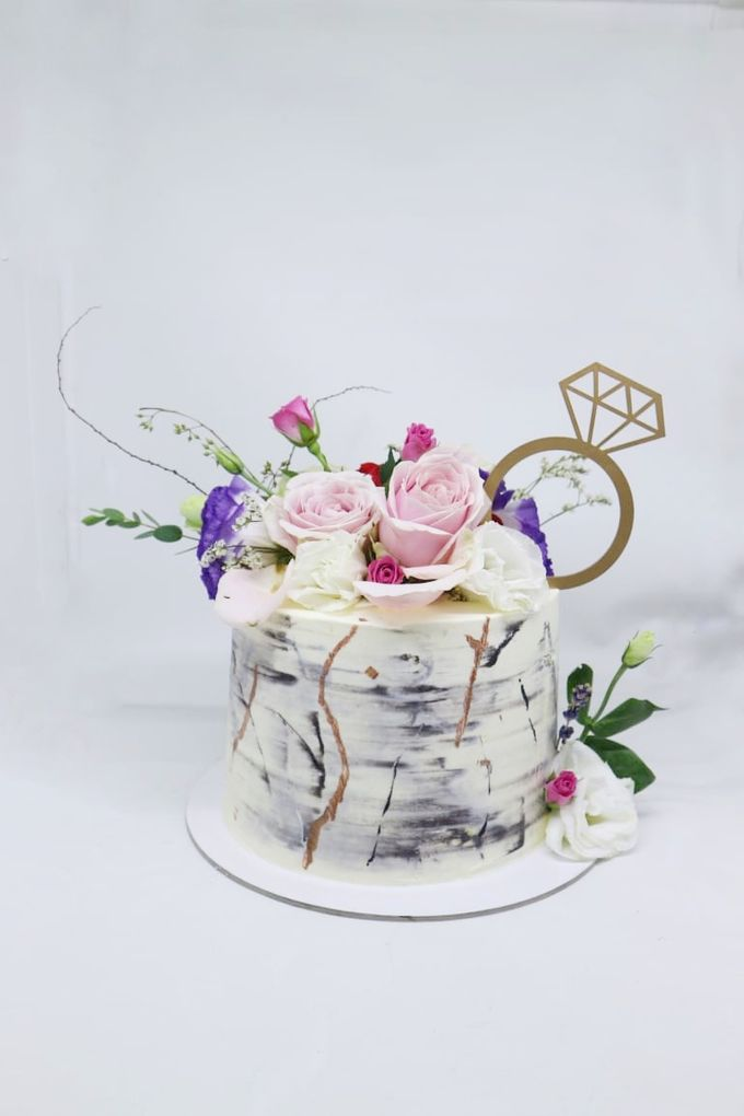 Engagement Cake by Ame Cakery - 002