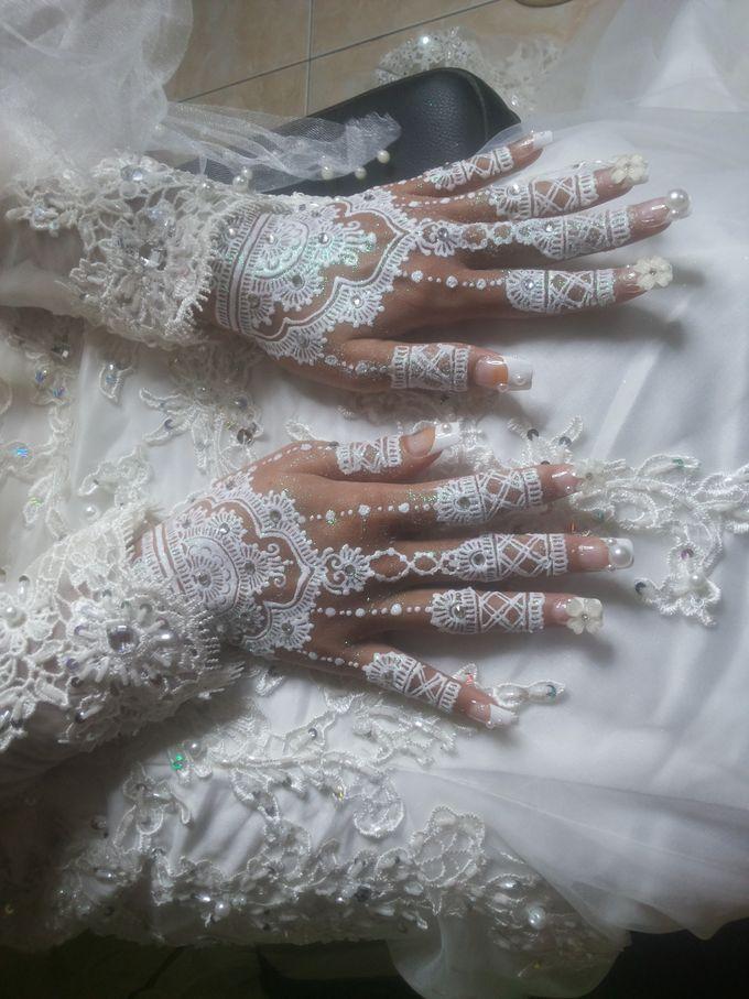 White Henna by Ikkie henna art - 016